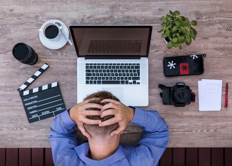 【実体験】リモートワークのストレス:「孤独」の原因と対策