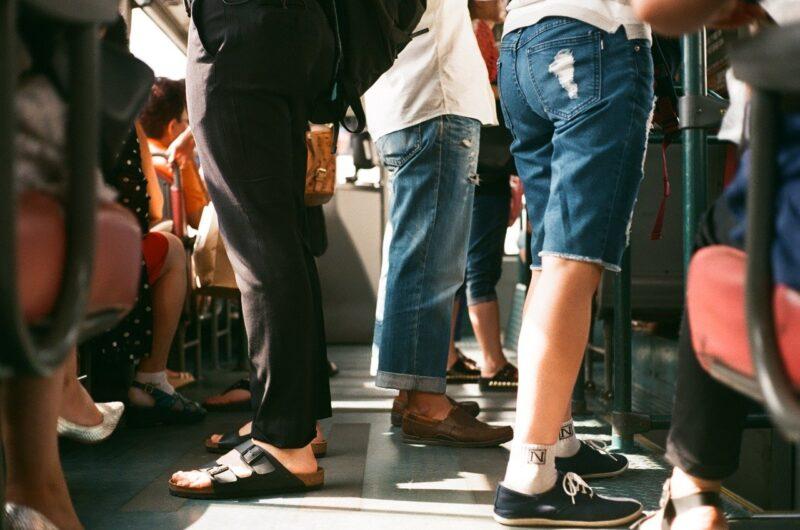 辛い満員電車の通勤を卒業する3つの方法